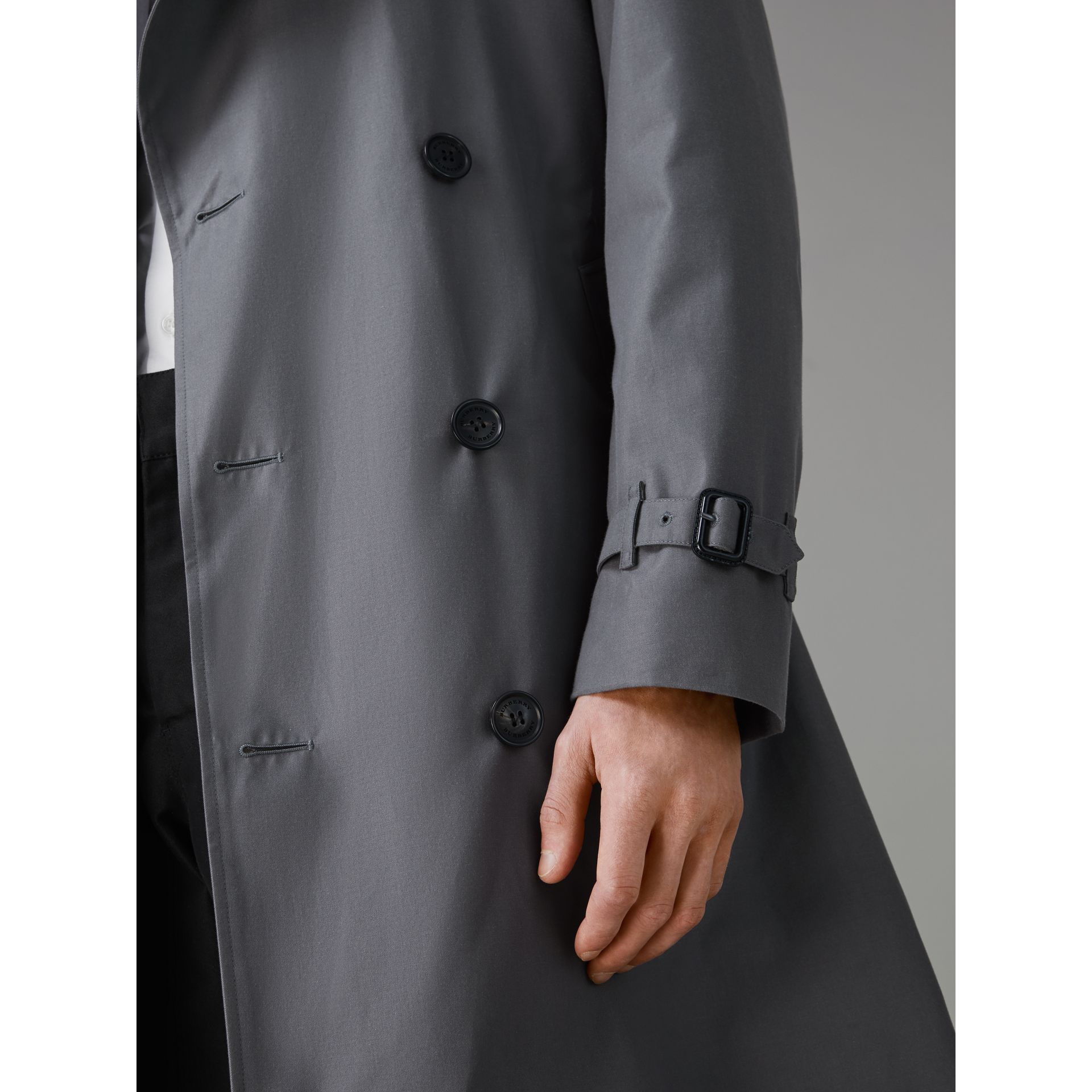 The Chelsea Heritage Trench Coat in Mid Grey - Men | Burberry United States - gallery image 7