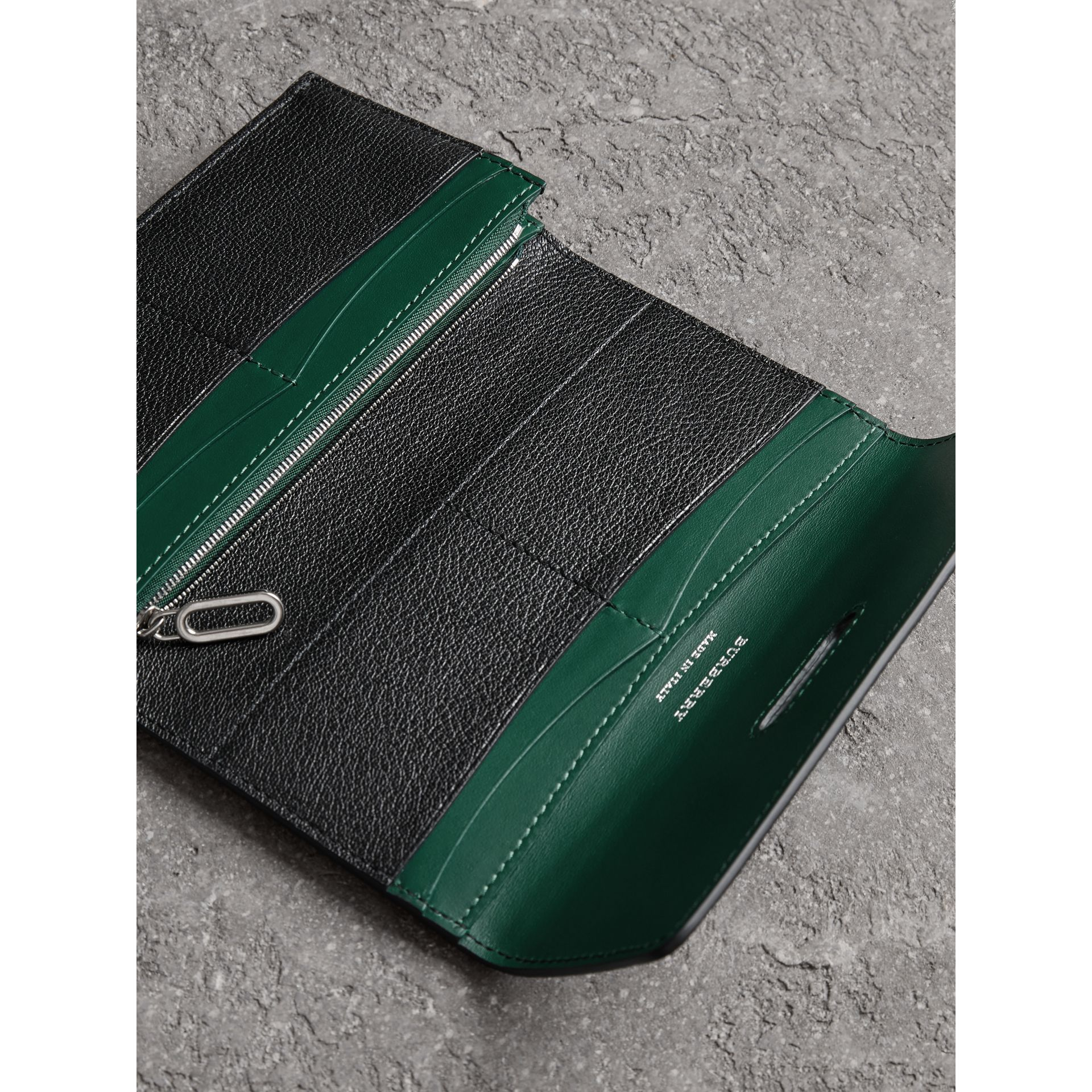 D-ring Grainy Leather Continental Wallet in Black/green - Women | Burberry - gallery image 3