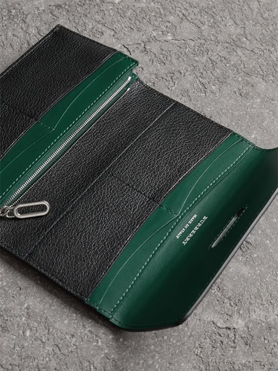 D-ring Grainy Leather Continental Wallet in Black/green - Women | Burberry - cell image 3