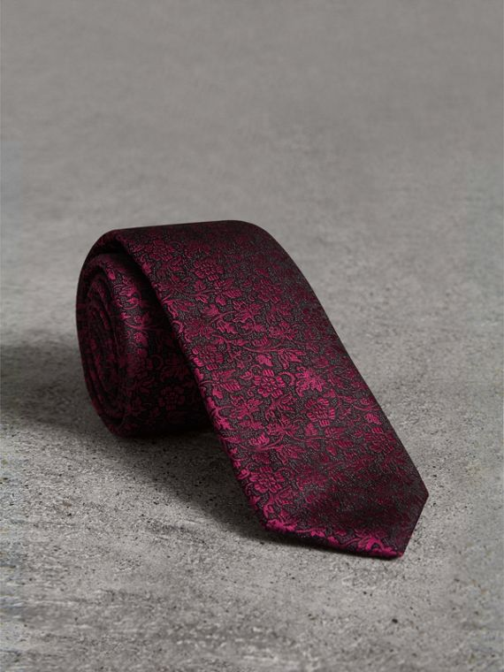 Slim Cut Floral Jacquard Silk Tie in Bright Fuschia