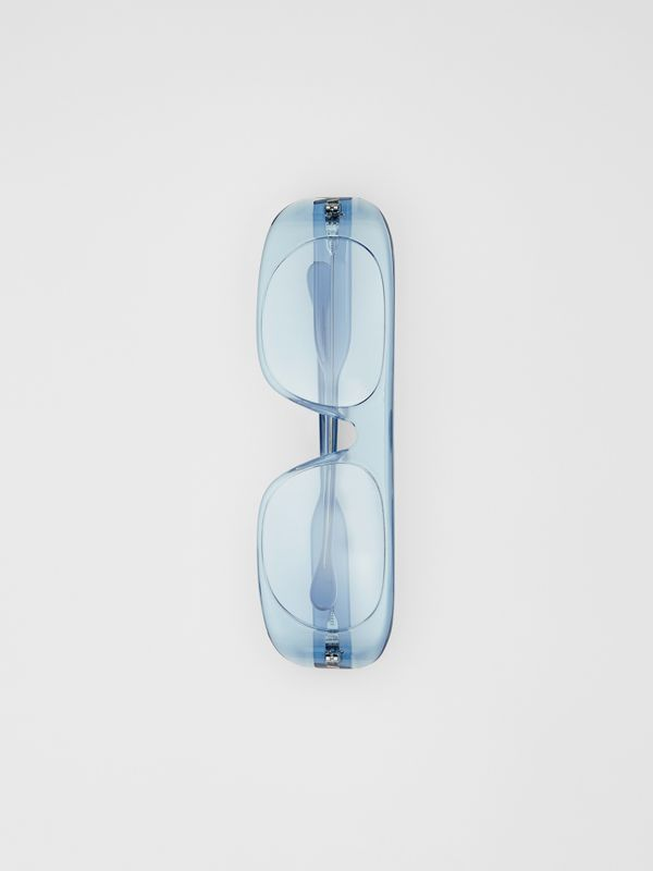 Blake Sunglasses in Transparent Blue | Burberry - cell image 3