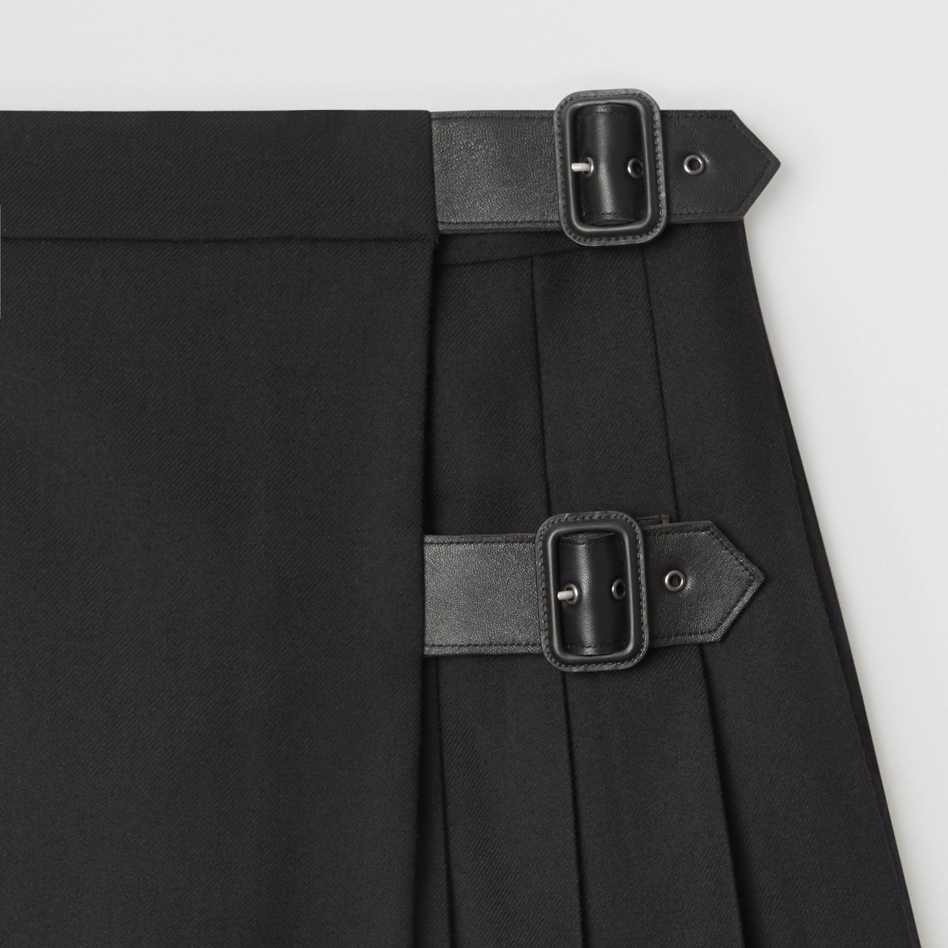 Lambskin Detail Wool Twill Kilt in Black | Burberry - gallery image 4