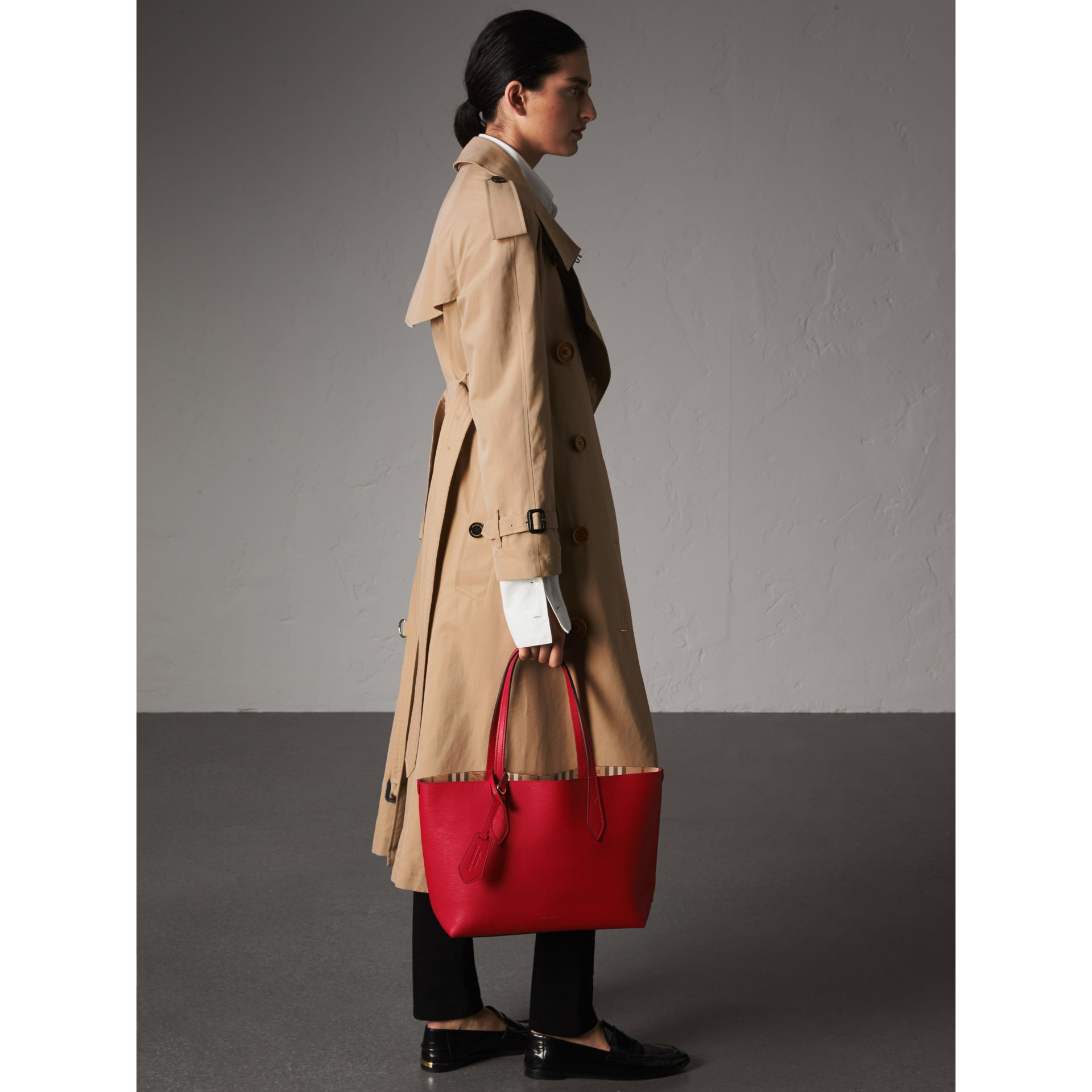 The Small Reversible Tote in Haymarket Check and Leather in Poppy Red - Women | Burberry - gallery image 3