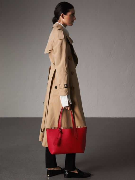 The Small Reversible Tote in Haymarket Check and Leather in Poppy Red - Women | Burberry - cell image 2
