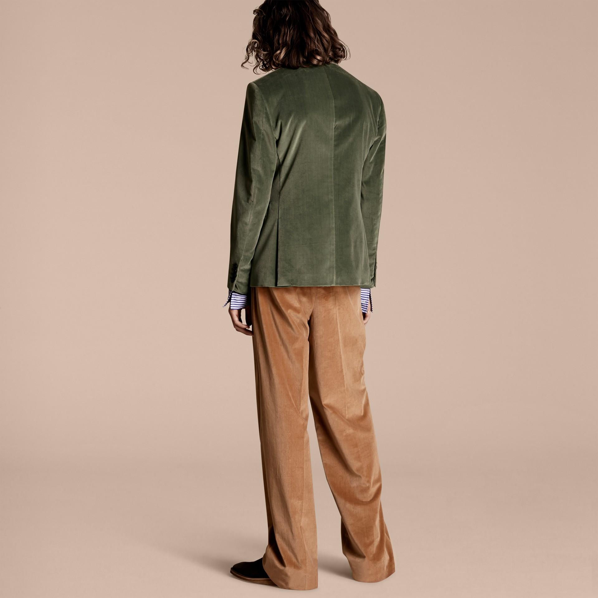 Eucalyptus pâle Veste de costume en velours - photo de la galerie 3