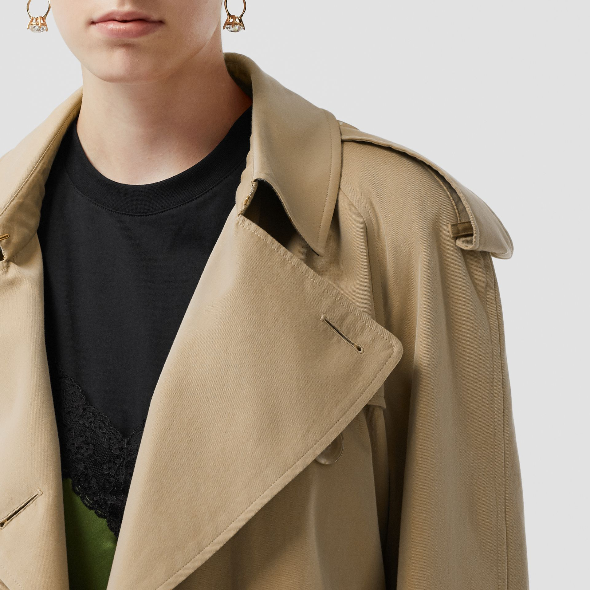 The Mid-length Westminster Heritage Trench Coat in Honey - Women | Burberry Australia - gallery image 1