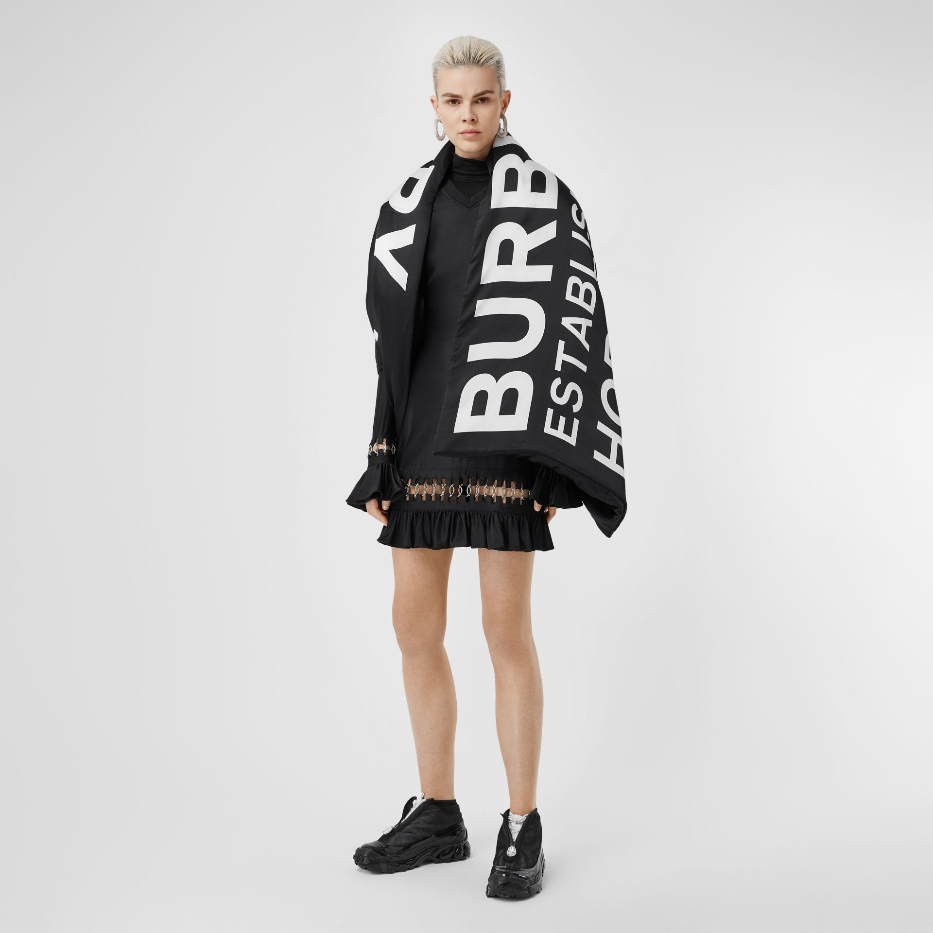 Horseferry Print Silk Puffer Scarf in Black/white | Burberry - gallery image 2