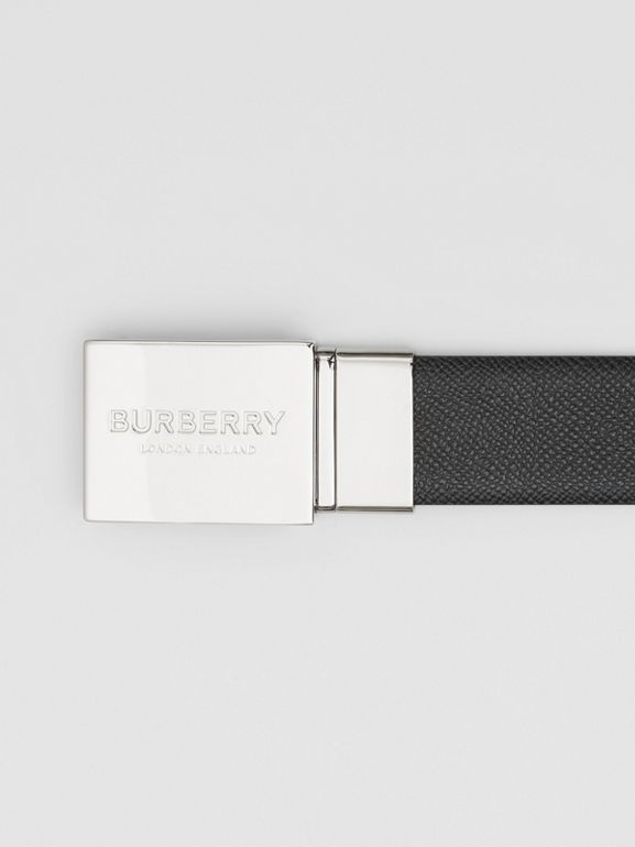 Reversible Plaque Buckle Grainy Leather Belt in Black/navy - Men | Burberry United Kingdom - cell image 1