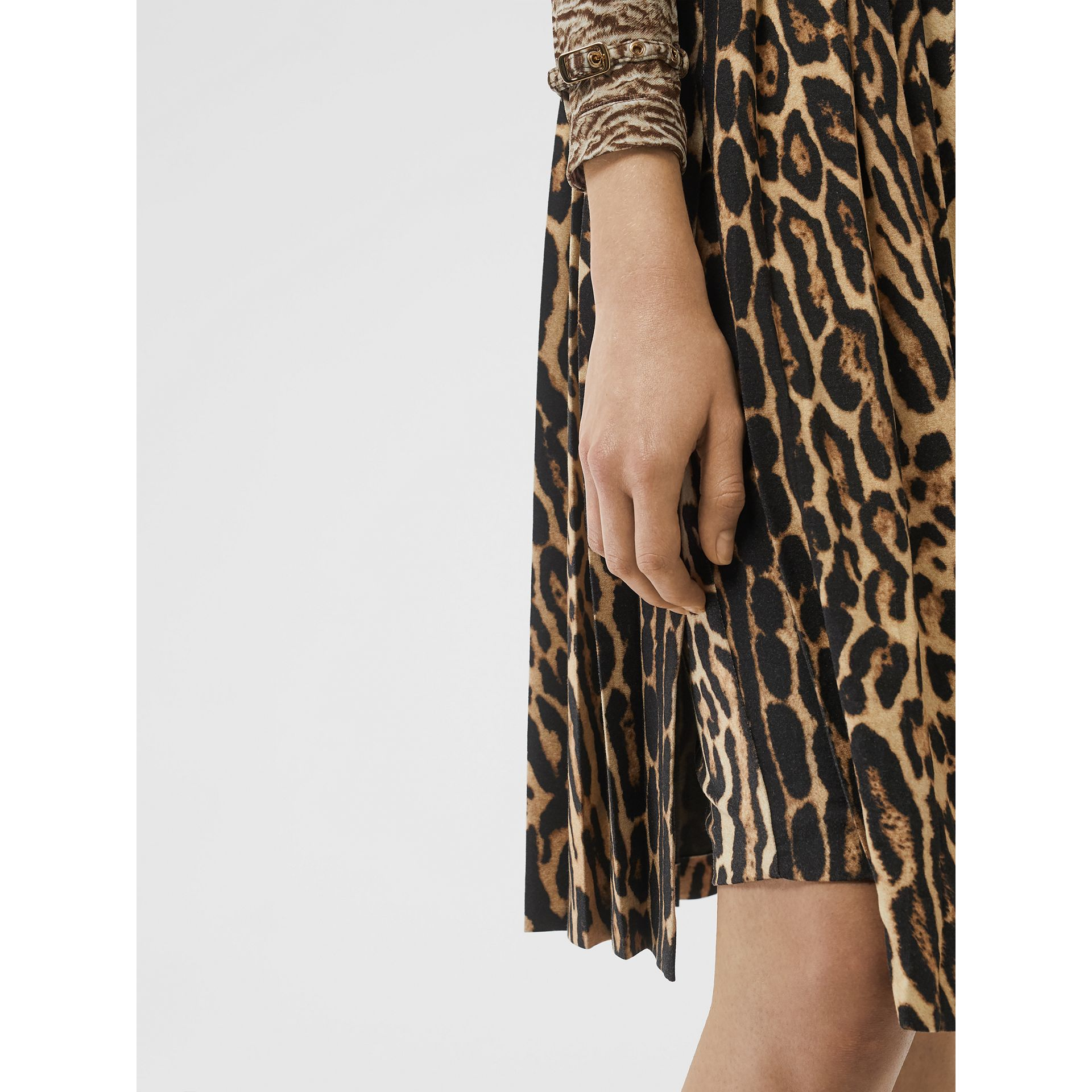 Leopard Print Stretch Silk Pleated Skirt in Camel - Women | Burberry - gallery image 5