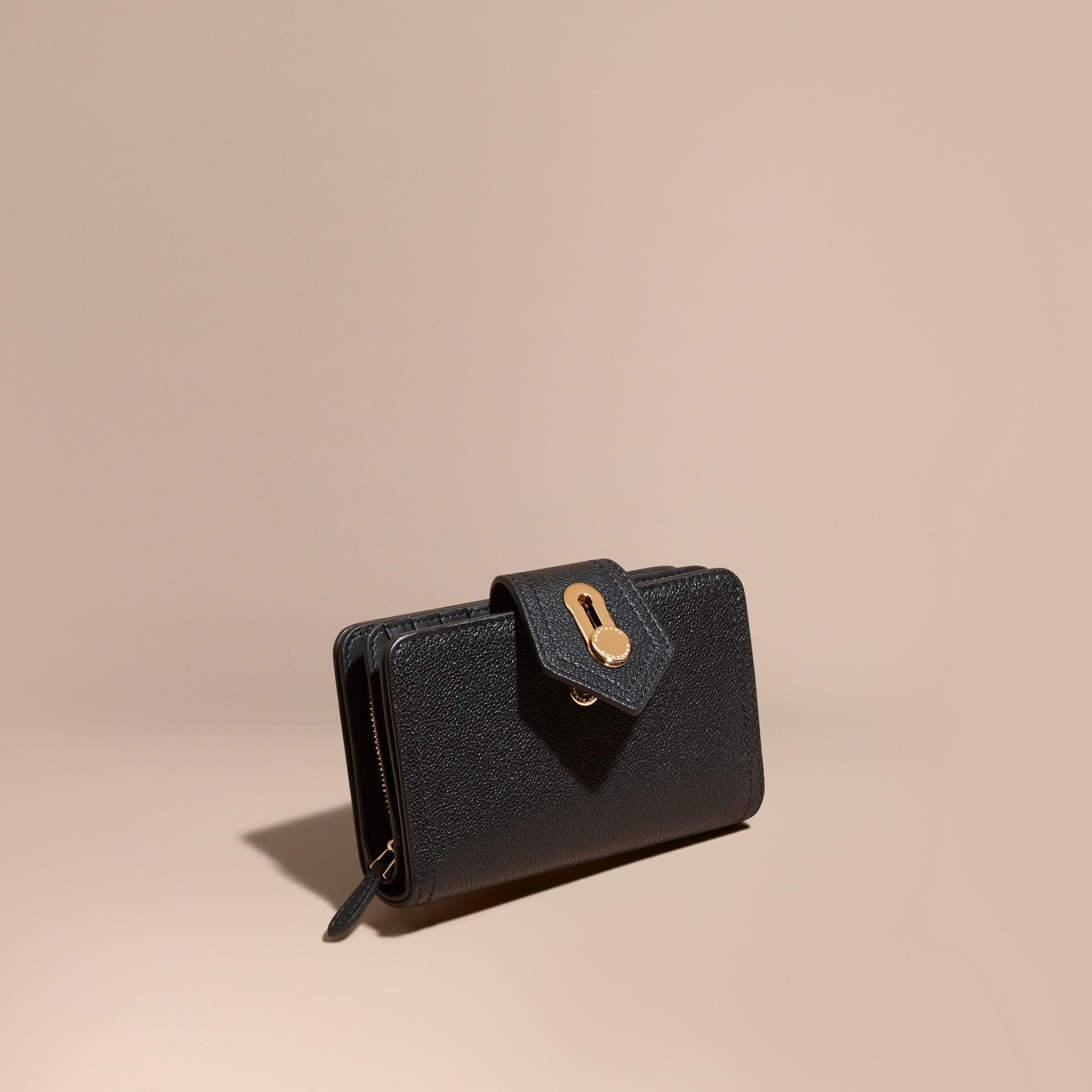 Noir Portefeuille en cuir grené Noir - photo de la galerie 1