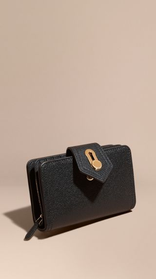 Grainy Leather Wallet