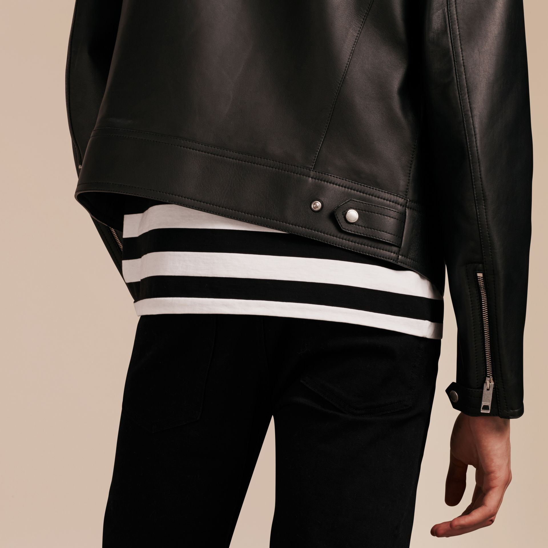 Черный Байкерская куртка из кожи ягненка - изображение 6