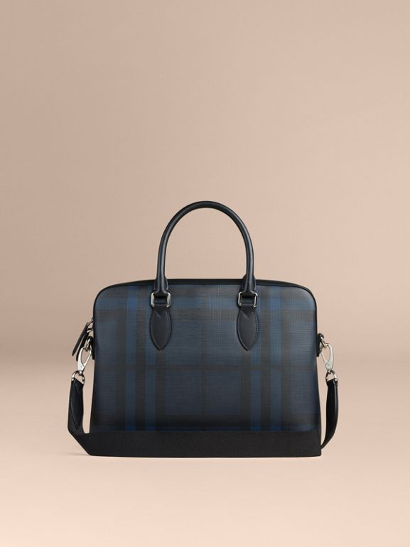 Sac The Barrow à motif London check (Marine/noir) - Homme | Burberry Canada - cell image 1