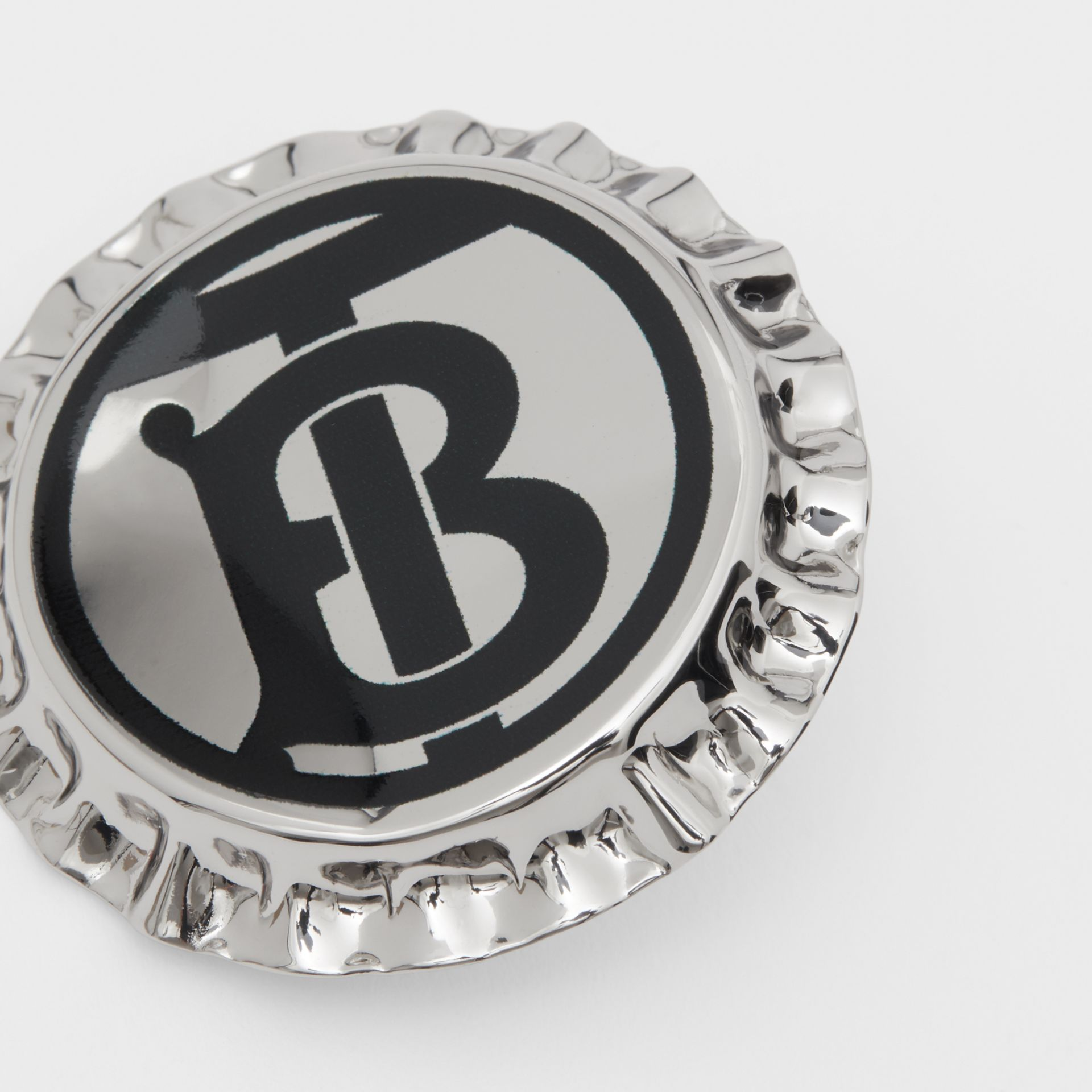 Palladium-plated Bottle Cap Brooch in Palladio | Burberry United States - gallery image 1
