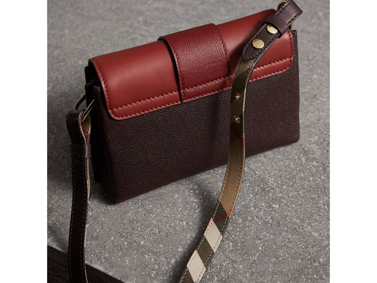 The Buckle Crossbody Bag in Colour-block Leather in Burgundy - Women | Burberry United States - cell image 4