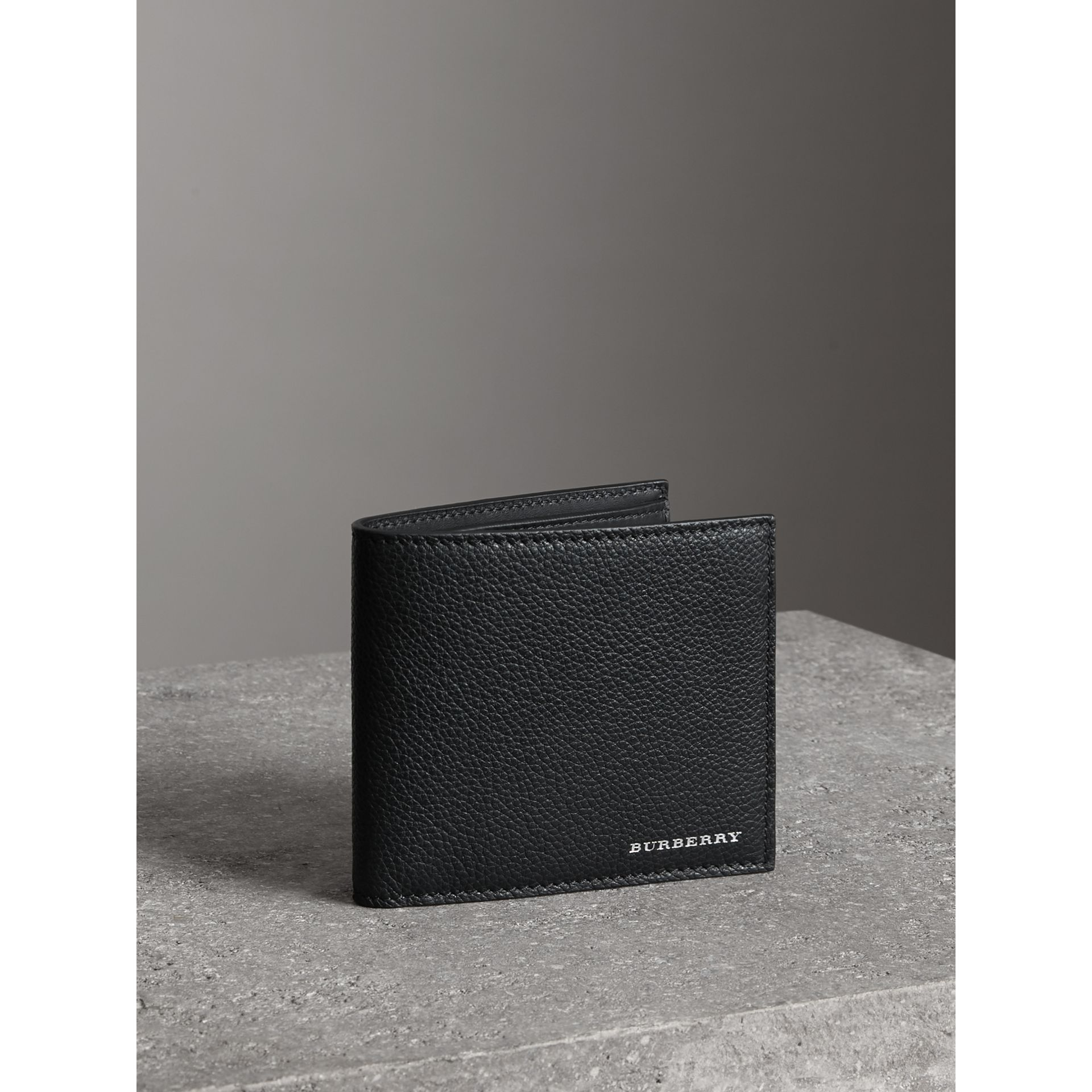 Grainy Leather International Bifold Wallet in Black - Men | Burberry Singapore - gallery image 4