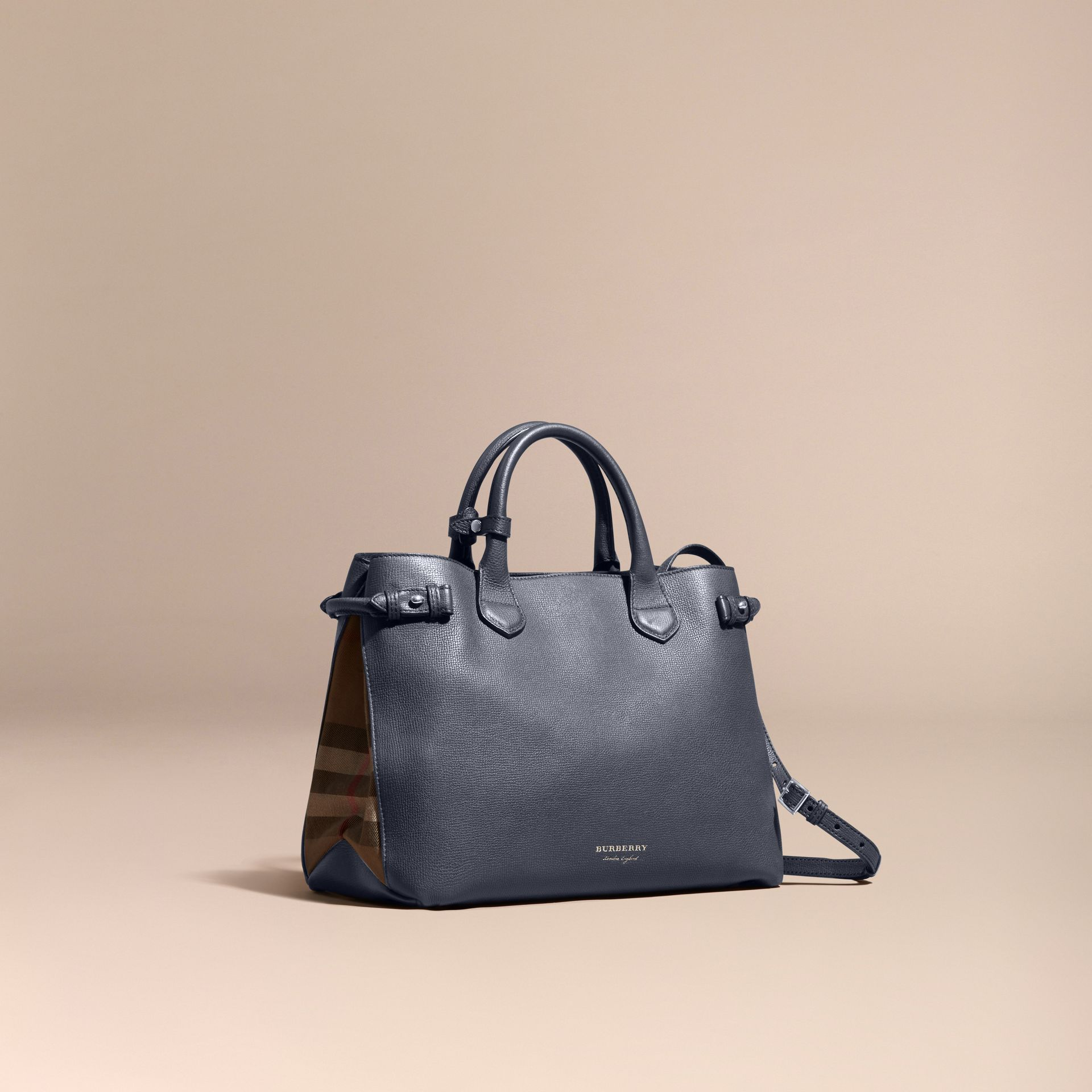 Sac The Banner medium en cuir et coton House check - Femme | Burberry - photo de la galerie 1