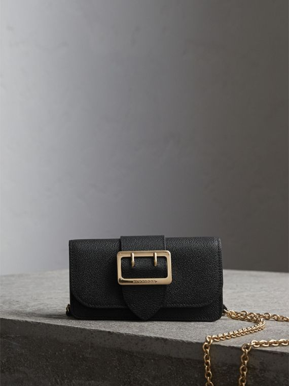 Mini sac The Buckle en cuir grainé (Noir)