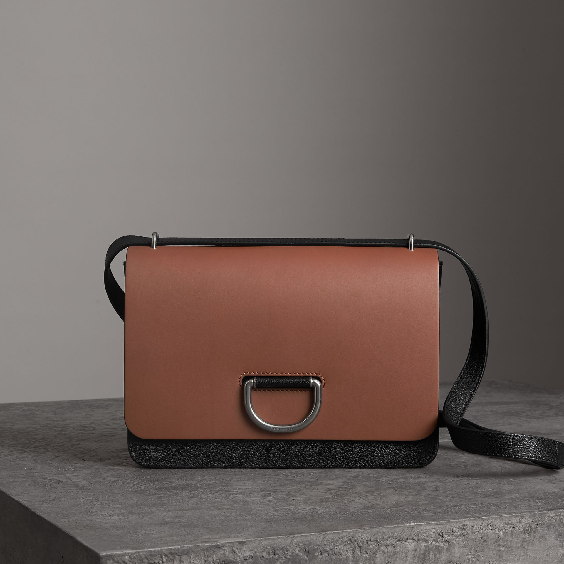The Medium Leather D-ring Bag in Tan/black - Women | Burberry Canada - gallery image 0