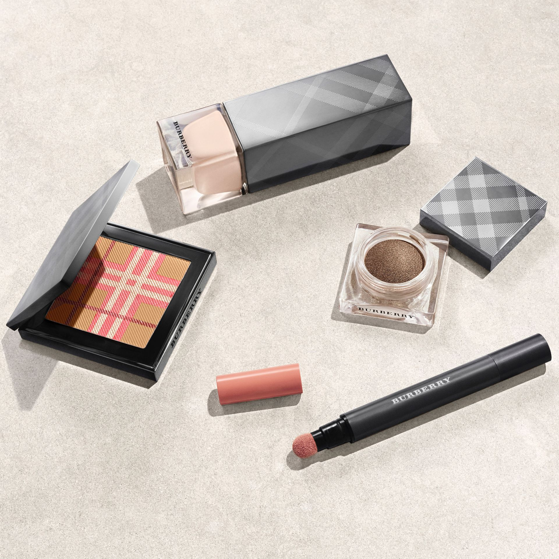 The Check Palette Duo blush et bronzer (Rose) - Femme | Burberry - photo de la galerie 3