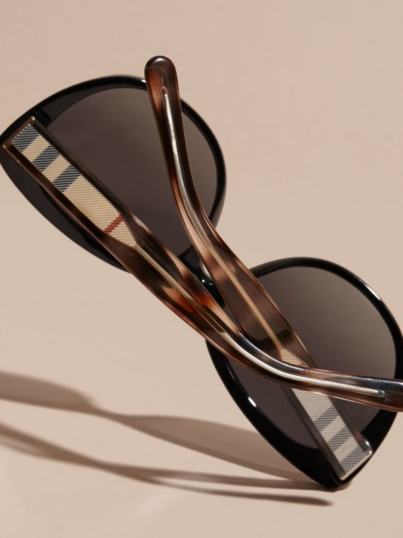 Check Detail Cat-eye Polarised Sunglasses - cell image 3