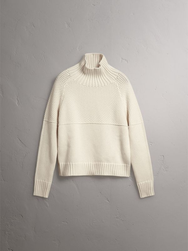 Suéter de cashmere com gola rolê (Branco Natural) - Mulheres | Burberry - cell image 3