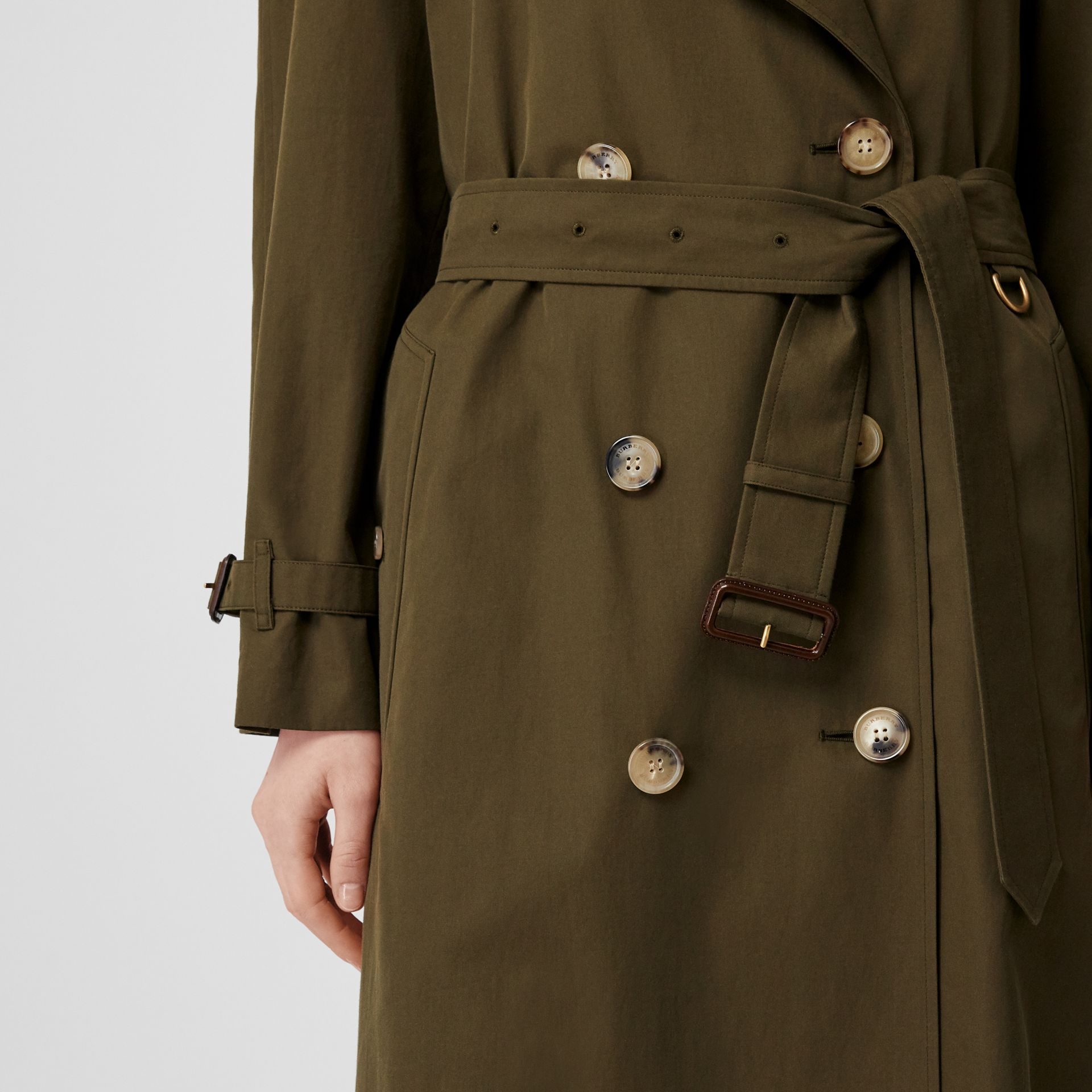 The Long Westminster Heritage Trench Coat in Dark Military Khaki - Women | Burberry United Kingdom - gallery image 6