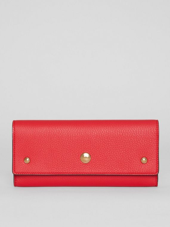 Grainy Leather Continental Wallet in Bright Military Red