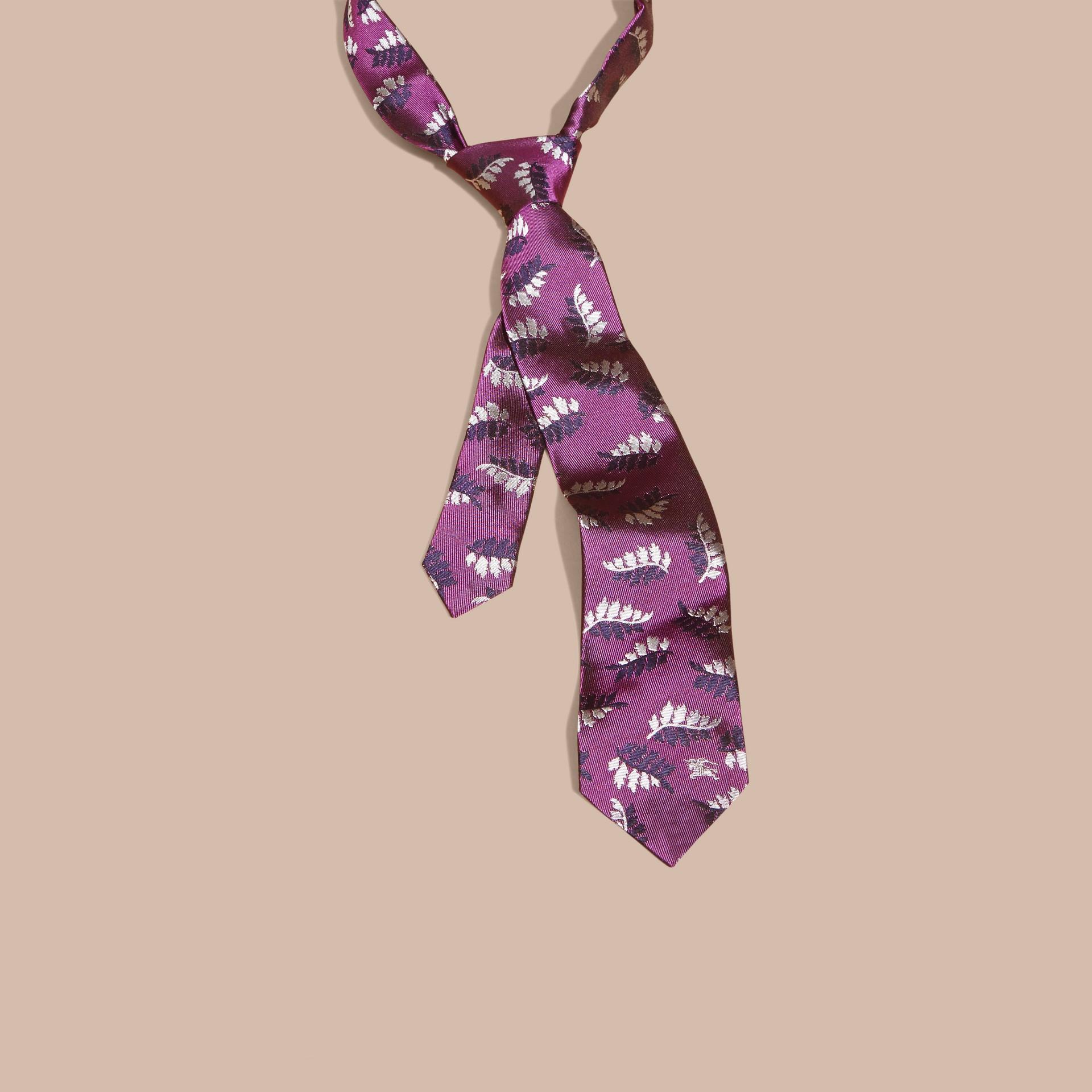 Fuschia Modern Cut Leaf Jacquard Silk Tie - gallery image 3