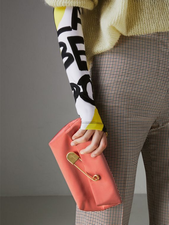 The Medium Pin Clutch in Leather in Bright Coral Pink - Women | Burberry - cell image 3