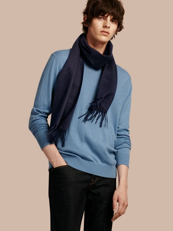 The Classic Cashmere Scarf in Navy - cell image 3