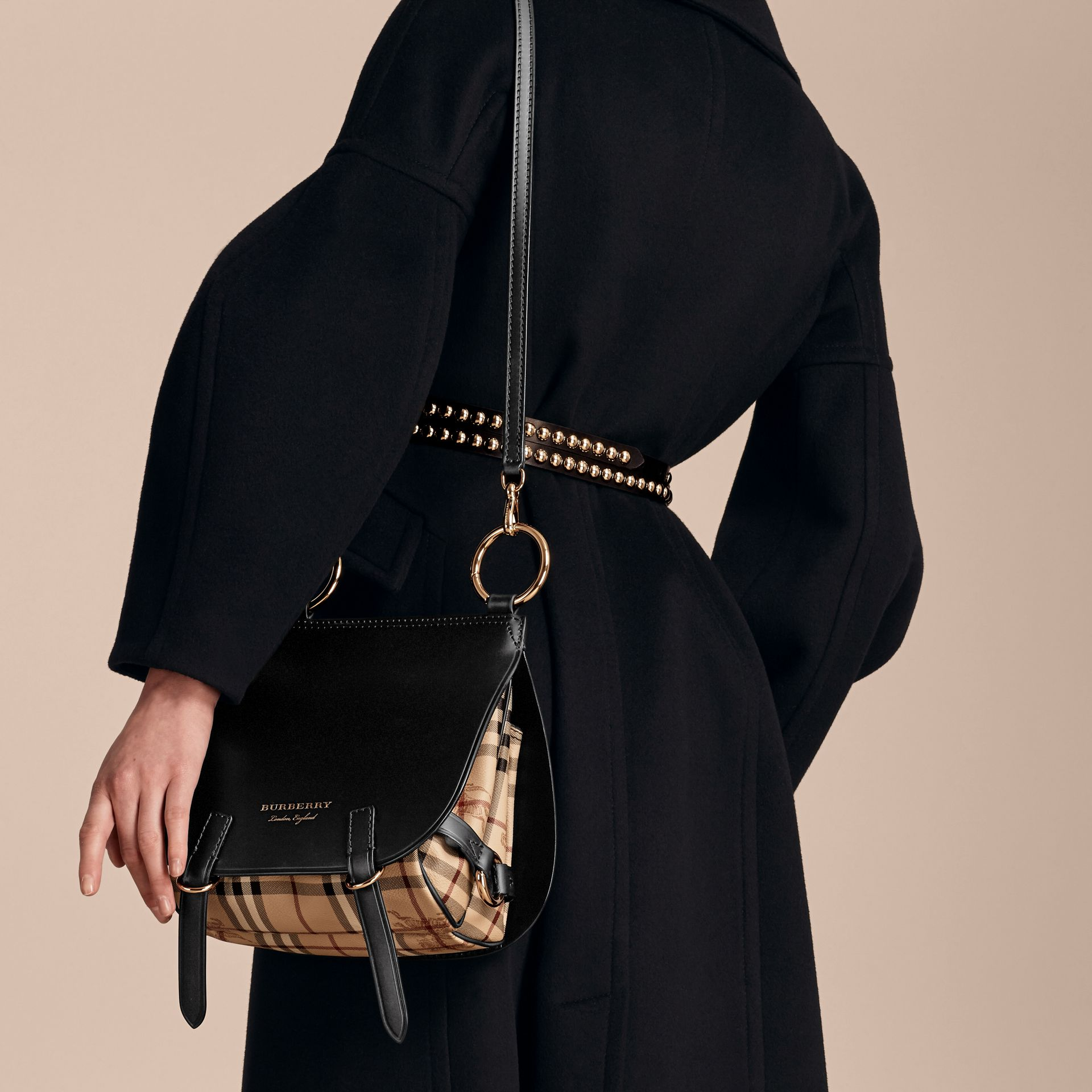 Borsa The Bridle in pelle, motivo Haymarket check e alligatore (Nero) - Donna | Burberry - immagine della galleria 4
