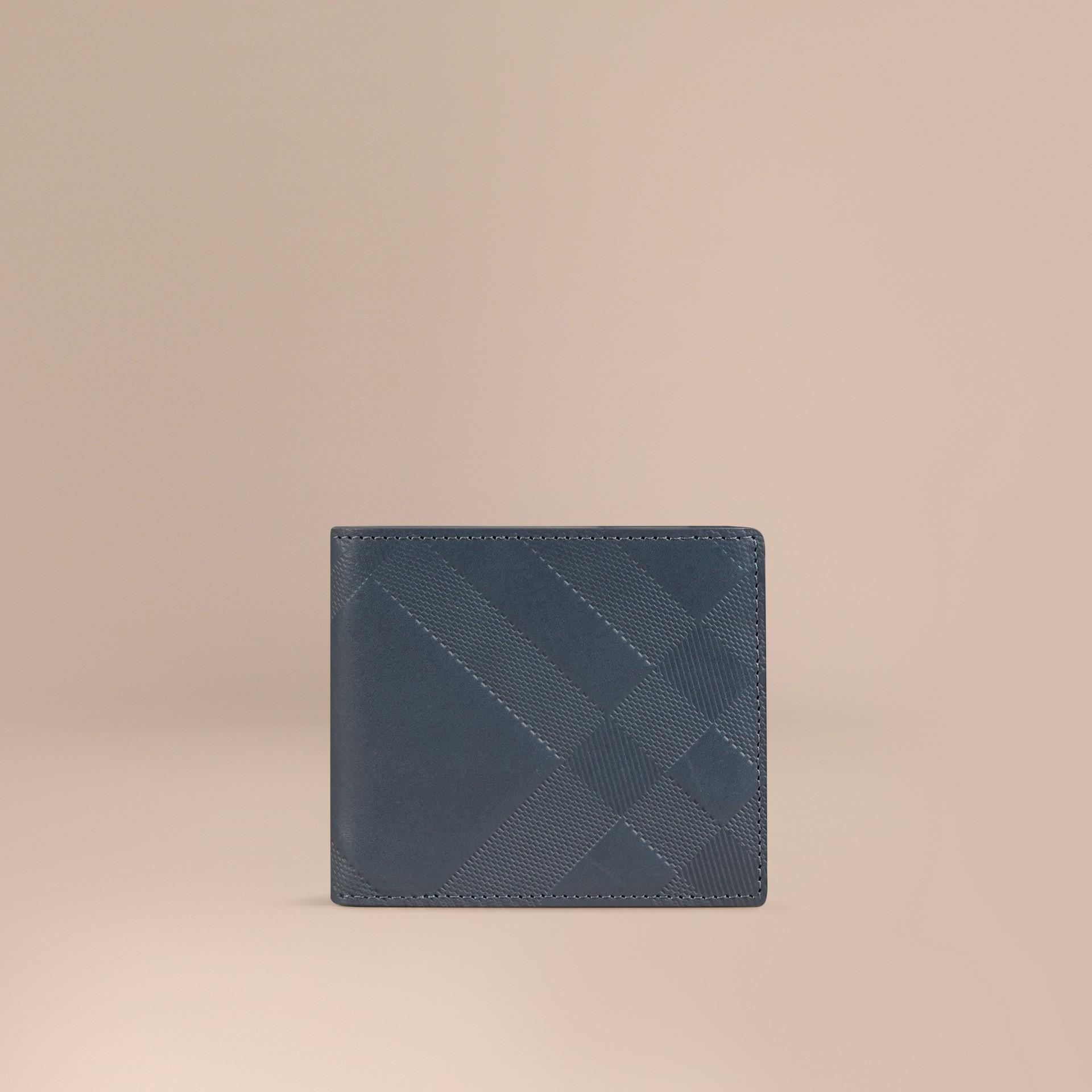 Steel blue Carteira dobrável de couro com estampa xadrez em relevo Steel Blue - galeria de imagens 1