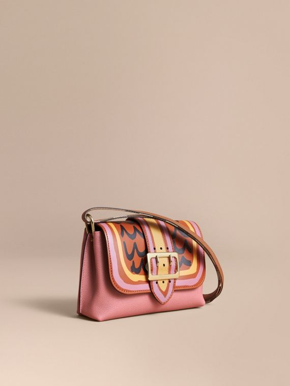 The Buckle Crossbody Bag in Trompe L'oeil Leather Dusty Pink/bright Toffee