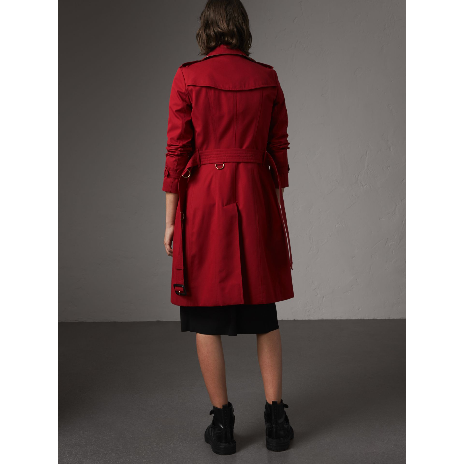 The Chelsea – Long Trench Coat in Parade Red - Women | Burberry - gallery image 3
