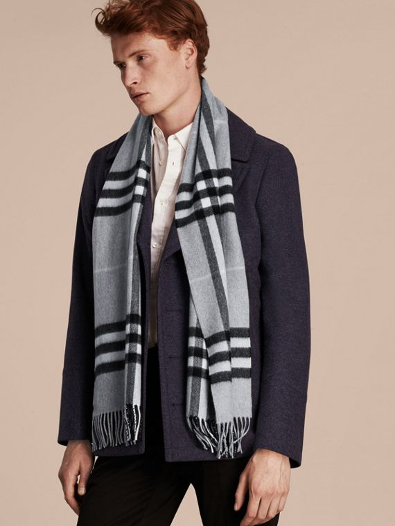 The Classic Cashmere Scarf in Check in Dusty Blue - cell image 3