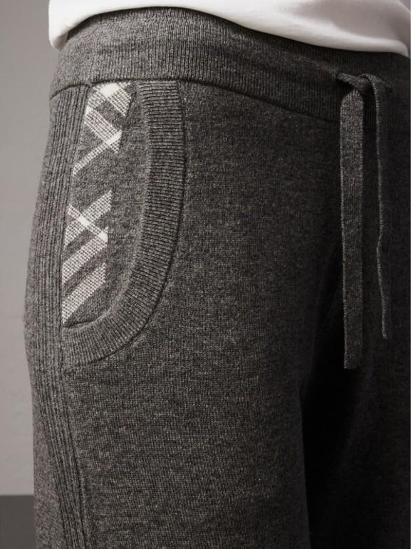 Calças esportivas de lã e cashmere com detalhe xadrez (Cinza Médio Mesclado) - Mulheres | Burberry - cell image 1