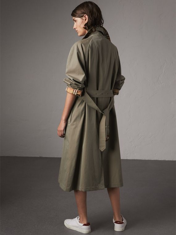 The Brighton – Car Coat extralongo (Verde Giz) - Mulheres | Burberry - cell image 2