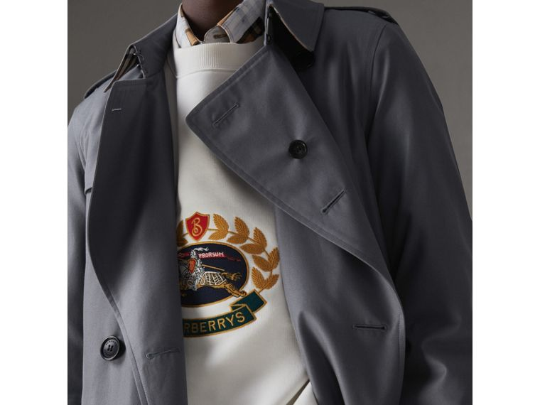 The Long Chelsea Heritage Trench Coat in Mid Grey - Men | Burberry - cell image 4