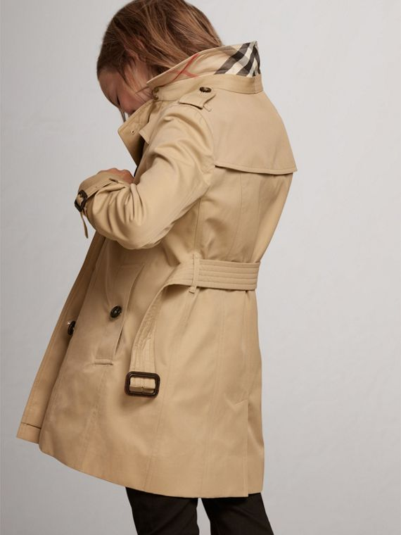 The Sandringham – Heritage Trench Coat in Honey - Girl | Burberry United States - cell image 3