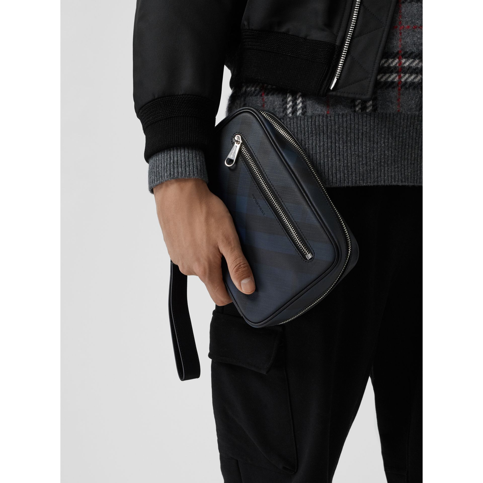 London Check Travel Pouch in Navy/black - Men | Burberry - gallery image 3