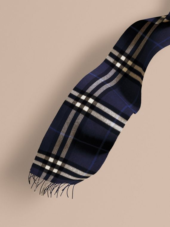 The Classic Cashmere Scarf in Check in Indigo Blue