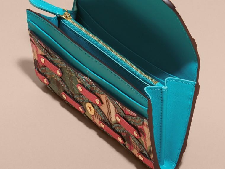 Blu minerale Portafoglio continental con motivo Haymarket check, peonie stampate e applicazioni in pelle di serpente Blu Minerale - cell image 4