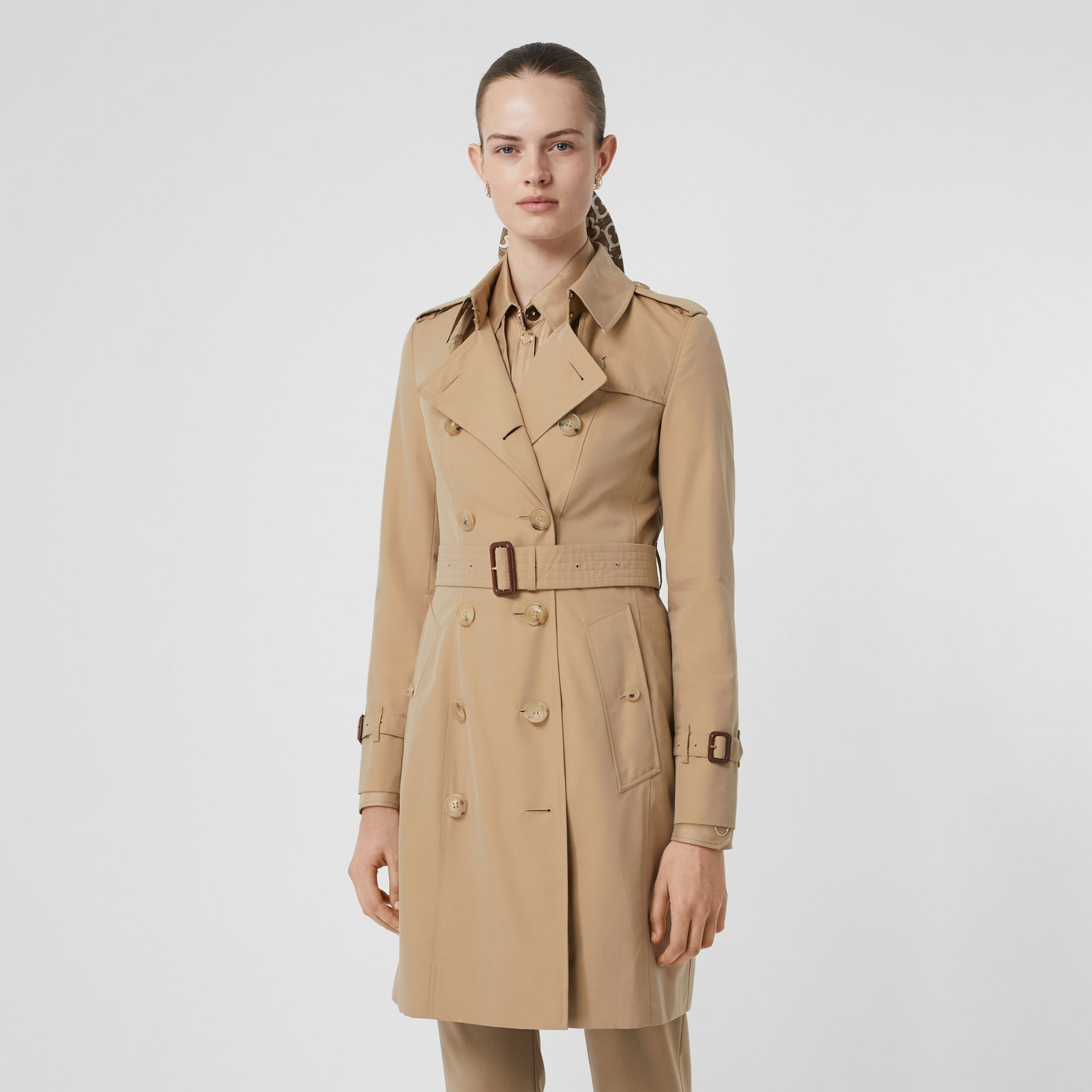 The Chelsea Heritage Trench Coat in Honey - Women | Burberry Singapore - gallery image 7