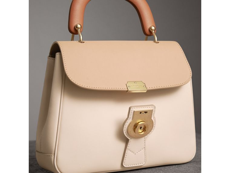 The Medium DK88 Top Handle Bag in Limestone/honey - Women | Burberry - cell image 4