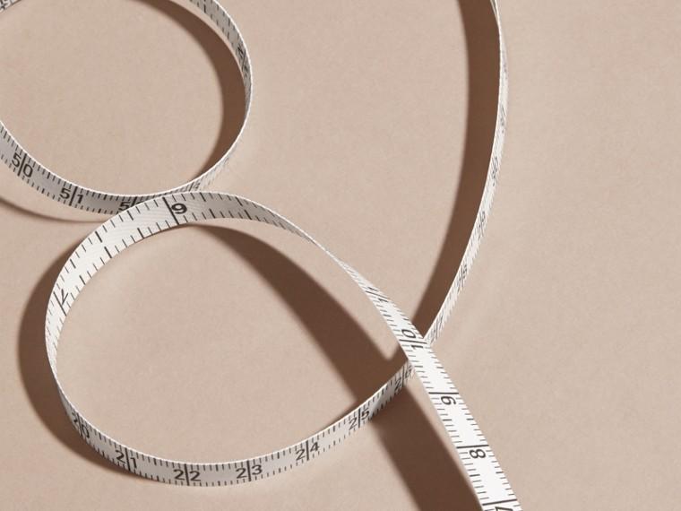 Preto Fita métrica com estojo de couro granulado - cell image 1