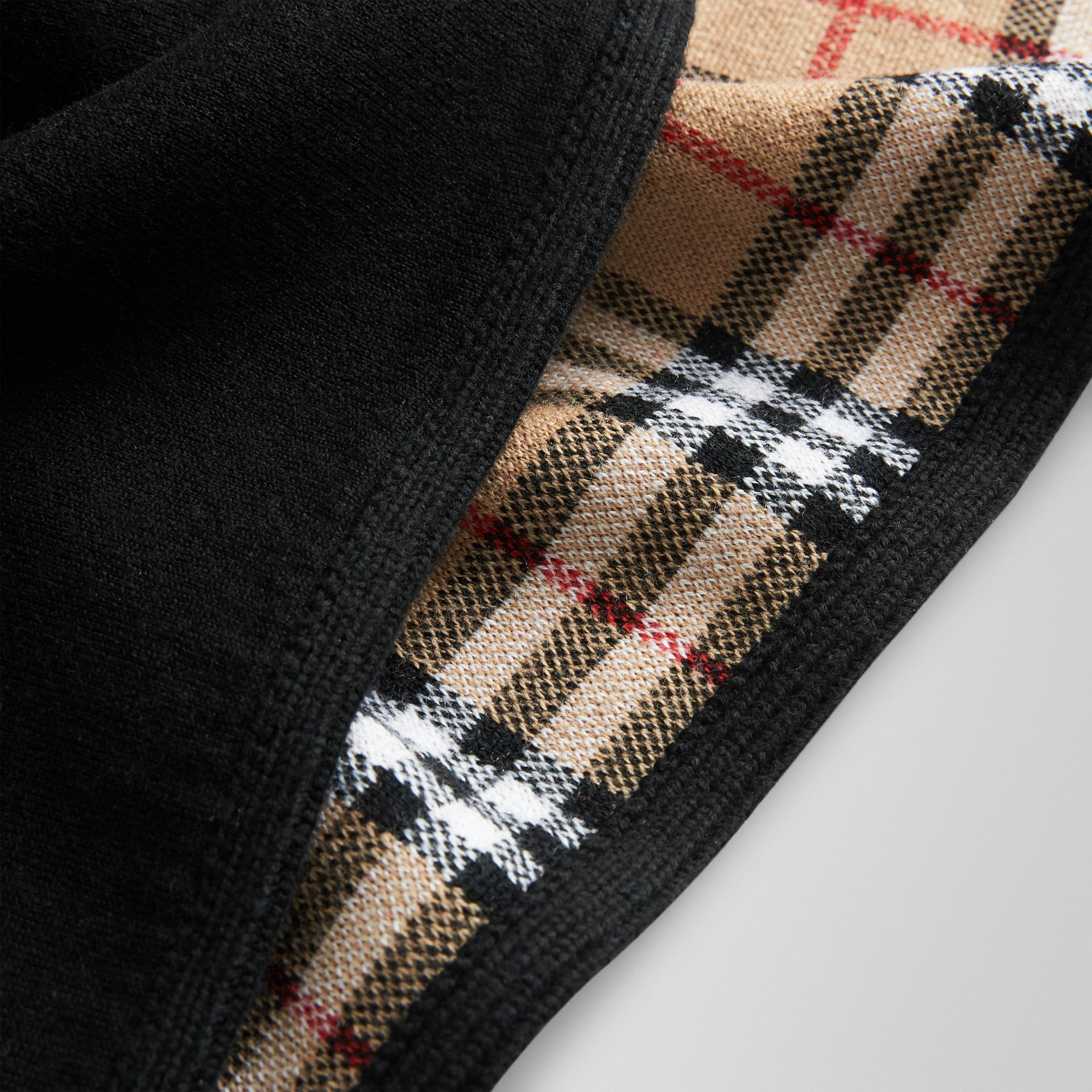 Reversible Vintage Check Merino Wool Jacquard Poncho in Black | Burberry United States - gallery image 1
