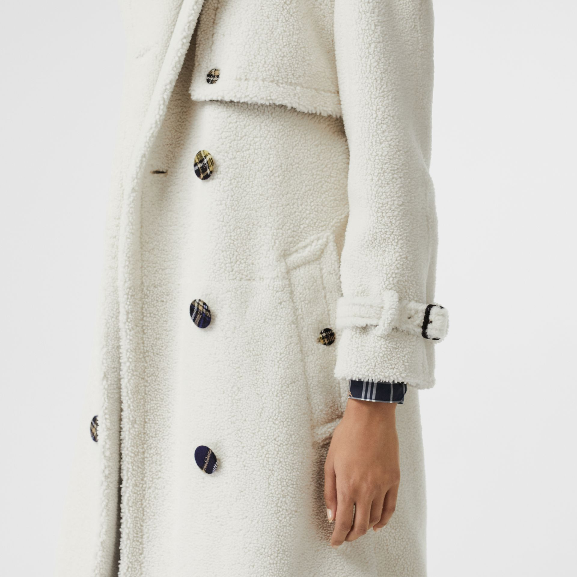 Tartan-lined Shearling Trench Coat in Off White - Women | Burberry - gallery image 4