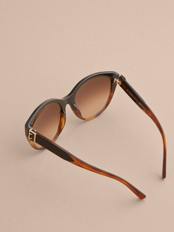 Buckle Detail Round Frame Sunglasses in Tortoise Amber - Women | Burberry - cell image 3