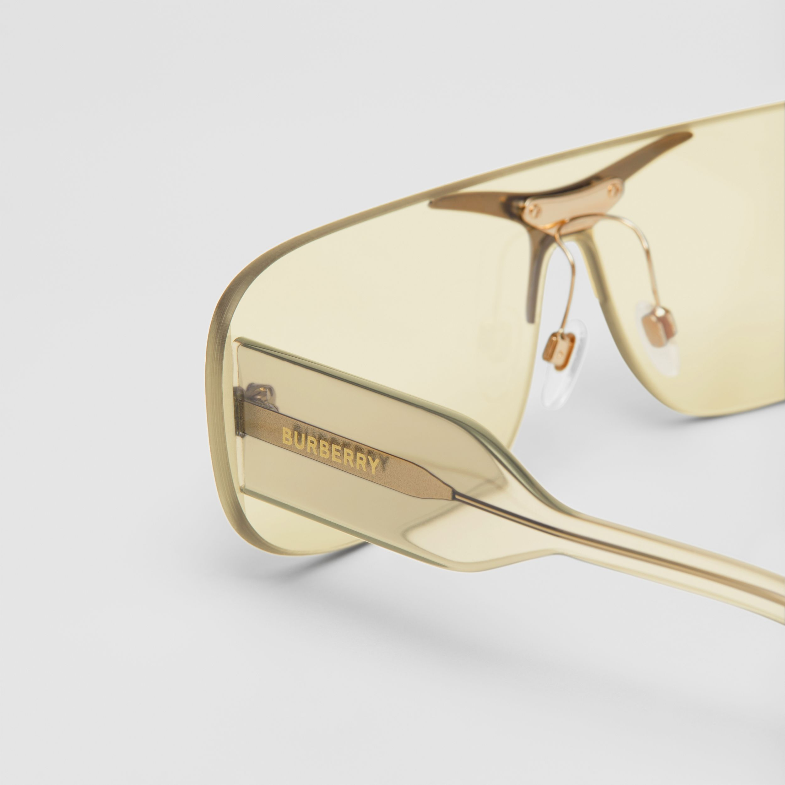 Blake Shield Sunglasses in Nude Gold | Burberry Singapore - 2